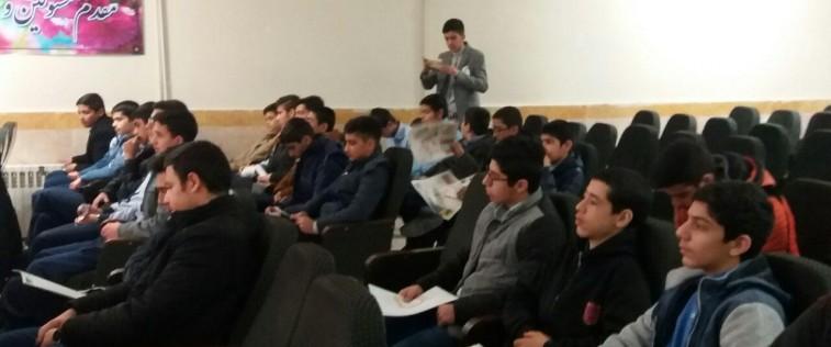 برگزاری قرارگاه های مرکزی گلبهار با موضوع : «نمایشگاه های مدرسه انقلاب»