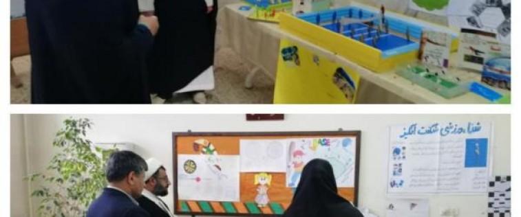 بازدید مسئولین از «نمایشگاه مدرسه انقلاب» انجمن اسلامی آموزشگاه ابن یمین شهرستان فریمان