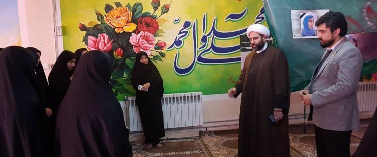 بازدید ریاست سازمان فرهنگی آستان قدس رضوی از «نمایشگاه مدرسه انقلاب» انجمن اسلامی آموزشگاه دخترانه آزرم مشهد