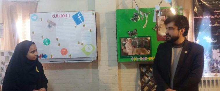 بازدید مسئول اتحادیه استان از «نمایشگاه مدرسه انقلاب» انجمن اسلامی آموزشگاه فاطمیه(س)