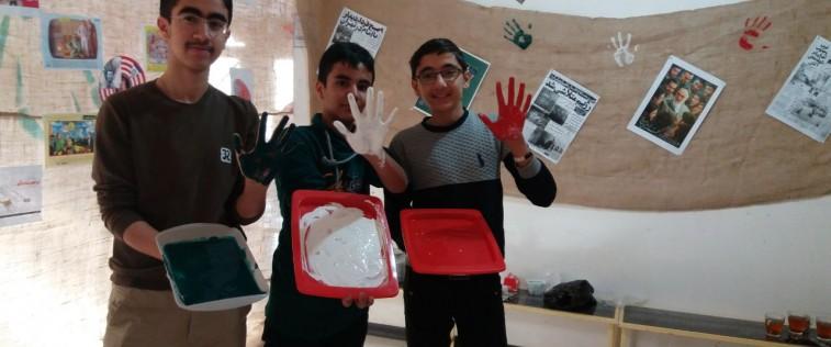 «نمایشگاه مدرسه انقلاب» انجمن اسلامی آموزشگاه پسرانه طلایه داران قوچان به روایت تصویر