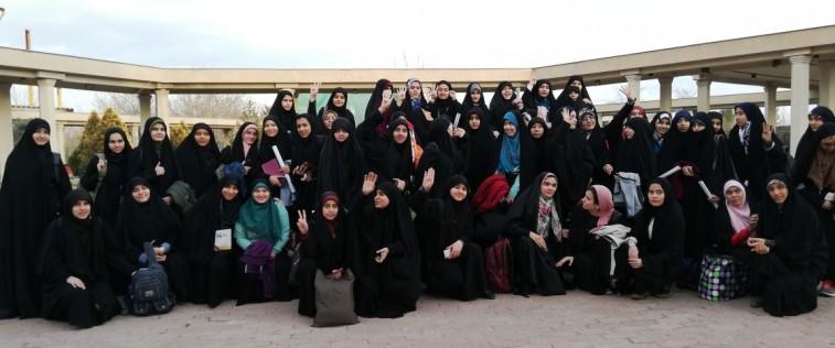 برگزاری اردوی ستادهای دهه فجر انجمنی های مدارس دخترانه مشهد