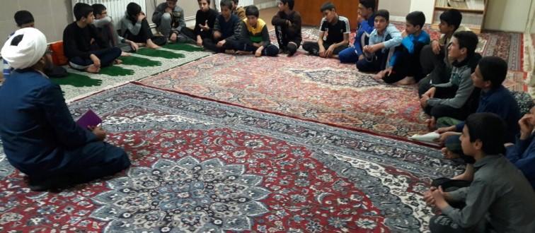 تشکیل جلسات هفتگی هیئت انصارالمهدی(عج) و قرارگاه دانش آموزی در مدارس خوشاب